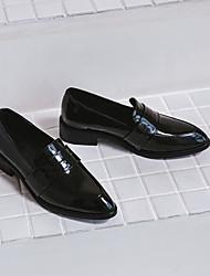 Недорогие -Жен. Обувь Лакированная кожа Весна / Лето Удобная обувь Мокасины и Свитер На низком каблуке Заостренный носок Черный