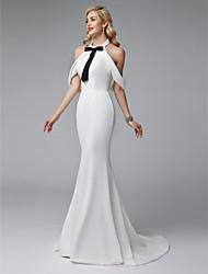 billiga -Trumpet / sjöjungfru Halterneck Svepsläp Satäng / Jersey Formell kväll Klänning med Rosett(er) / Pärldetaljer av TS Couture®