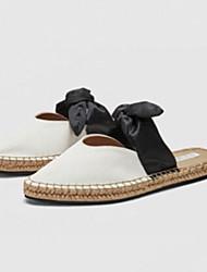 Недорогие -Жен. Обувь Полотно Лето Босоножки Башмаки и босоножки На плоской подошве Заостренный носок Бант Белый