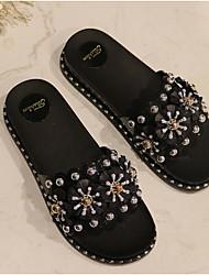 Недорогие -Жен. Обувь ПВХ Лето Удобная обувь Тапочки и Шлепанцы На плоской подошве Открытый мыс Бусины / Лак Белый / Черный / Розовый