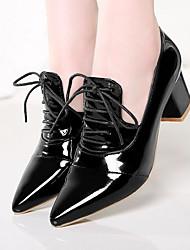 Недорогие -Жен. Полиуретан Лето Удобная обувь Туфли на шнуровке На толстом каблуке Заостренный носок Черный / Красный / Розовый