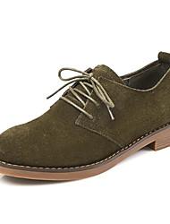 baratos -Mulheres Sapatos Camurça / Pele Primavera / Outono Conforto Oxfords Salto Baixo Preto / Verde Tropa / Castanho Escuro