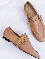 baratos -Mulheres Sapatos Pele Napa Primavera / Outono Conforto Mocassins e Slip-Ons Salto Baixo Preto / Bege / Castanho Claro