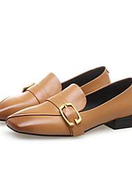 baratos -Mulheres Sapatos Pele Napa Verão Conforto Mocassins e Slip-Ons Salto Baixo Ponta quadrada Preto / Amarelo