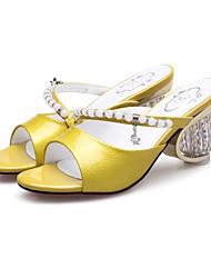 Недорогие -Жен. Обувь Наппа Leather Лето Удобная обувь Сандалии Гетеротипическая пятка Серебряный / Желтый / Зеленый