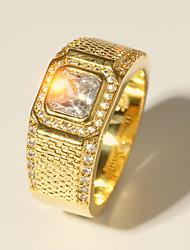 Недорогие -Муж. Кольцо 1шт Золотой Латунь Искусственный бриллиант 24K Gold Plated Роскошь Классика Мода Свадьба Для вечеринок Бижутерия Классический Стильные Сияющий срез драгоценный Cool