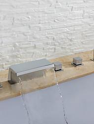 Недорогие -Смеситель для ванны - Современный Хром Разбросанная Керамический клапан Bath Shower Mixer Taps / Три ручки пять отверстий
