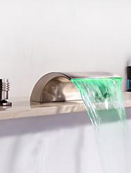 Недорогие -Смеситель для ванны - Современный Матовый никель Разбросанная Керамический клапан Bath Shower Mixer Taps / Две ручки три отверстия