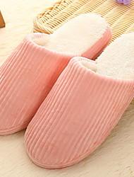 Недорогие -Женские тапочки Домашние тапки Полосы / волны Махровая ткань Один цвет