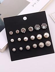abordables -Femme Stylé Boucles d'oreille goujon Boucles d'oreilles - Imitation de perle, Strass Balle simple, Européen, Mode Argent Pour Quotidien