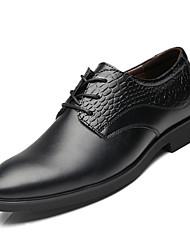 Недорогие -Муж. Комфортная обувь Полиуретан Осень Деловые Туфли на шнуровке Нескользкий Черный
