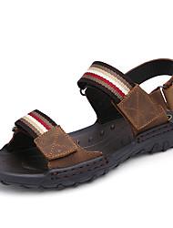 Недорогие -Муж. Комфортная обувь Кожа Лето Винтаж / На каждый день Сандалии Дышащий Коричневый