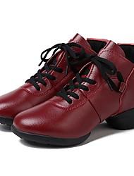 Недорогие -Жен. Танцевальные кроссовки Свиная кожа Кроссовки На плоской подошве Персонализируемая Танцевальная обувь Красный