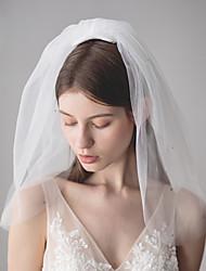 Недорогие -Три слоя Стиль / Милый стиль Свадебные вуали Фата до плеч с Стразы 19,69 В (50 см) Хлопок / нейлон с намеком на участке