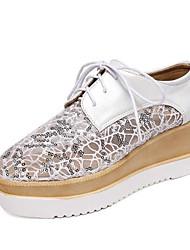 Недорогие -Жен. Комфортная обувь Полиуретан Весна Туфли на шнуровке На плоской подошве Закрытый мыс Белый / Синий / Розовый