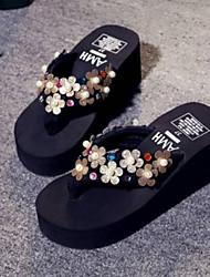 Недорогие -Жен. Комфортная обувь Полиуретан Весна Сандалии На плоской подошве Золотой / Цвет радуги
