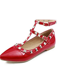 cheap -Women's Patent Leather Spring & Summer Flats Flat Heel Pointed Toe Rivet / Buckle Beige / Red / Pink / Wedding / Party & Evening