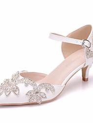 baratos -Mulheres Couro Ecológico Primavera Verão Minimalismo Sapatos De Casamento Salto Baixo Dedo Apontado Pedrarias / Presilha Branco