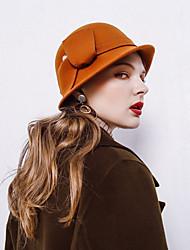 Недорогие -Elizabeth Чудесная миссис Мейзел Жен. Взрослые Дамы Ретро Фетровые шляпы шляпа Розовый Красный Коричневый Однотонный Винтаж Шерсть Головные уборы Лолита Аксессуары