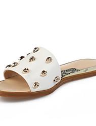 Χαμηλού Κόστους -Γυναικεία Νάπα Leather Καλοκαίρι Γλυκός / Μινιμαλισμός Παντόφλες & flip-flops Επίπεδο Τακούνι Ανοικτή μύτη Καρφιά Λευκό / Μαύρο