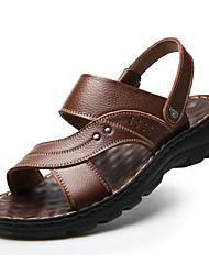 Недорогие -Муж. Комфортная обувь Кожа Лето Сандалии Черный / Кофейный / Коричневый