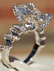 Недорогие -Жен. Кольцо Цирконий 1шт Белый Медь Геометрической формы Стиль Роскошь Для вечеринок Подарок Бижутерия Классический Cool