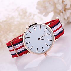 Homens Relógio de Moda Quartzo Relógio Casual Tecido Banda Preta Branco Azul Vermelho