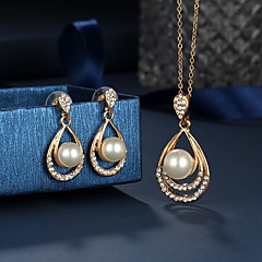 baratos Conjuntos de Bijuteria-Mulheres Conjunto de jóias - Cristal Caído Fashion, Elegante Incluir Brincos Compridos / Colares com Pendentes / Sets nupcial Jóias Dourado Para Casamento / Presente