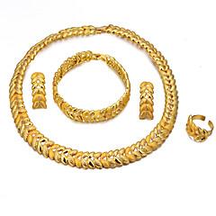 baratos Conjuntos de Bijuteria-Mulheres Camadas Conjunto de jóias - Banhado a Ouro 18K Étnico Incluir Bracelete / Brincos Compridos / Colares com Pendentes Dourado Para Noivado / namorados / Anel