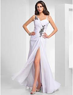 baratos Vestidos de Formatura-Tubinho Com Alças Finas Longo Chiffon Evento Formal Vestido com Miçangas / Franzido de TS Couture®