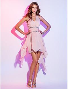 billiga Cocktailklänningar-A-linje Halterneck Asymmetrisk Chiffong Kort och lång Cocktailfest Klänning med Bård / Veckad av TS Couture®