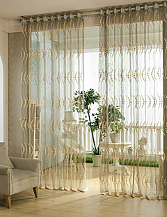 billige Vinduskolleksjoner-To paneler Window Treatment Europeisk Designer Rustikk Moderne Neoklassisk Middelhavet Rokoko Barokk , Stribe Stue Polyester Materiale