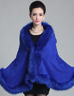 cheap -Sleeveless Faux Fur Wedding Wedding  Wraps Fur Coats Hoods & Ponchos With Feathers / fur Capes