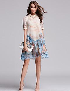 女性のヴィンテージプリントプラスサイズ/ラインドレス、膝ポリエステル上記のシャツの襟