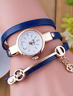 billige Armbåndsure-Dame Quartz Armbåndsur Hot Salg Læder Bånd Vedhæng Mode Sort Hvid Blåt Rød Orange Grøn