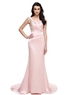 Trompetă / Sirenă Gât V Mătura / Trenă Satin Stretch Seară Formală Rochie cu Mărgele Detalii Cristal de TS Couture®