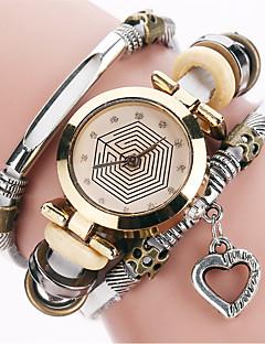 billige Armbåndsure-Dame Quartz Armbåndsur / Hot Salg PU Bånd Heart Shape Vintage Afslappet Mode Sej Sort Hvid Blåt Rød Brun