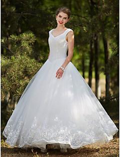 billiga Balbrudklänningar-Balklänning V-hals Golvlång Tyll Bröllopsklänningar tillverkade med Kristall / Bård / Paljett av LAN TING BRIDE®