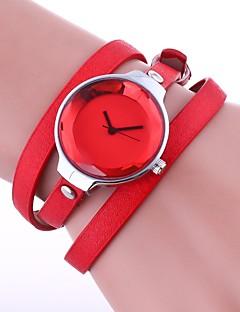 billige Armbåndsure-Dame Quartz Armbåndsur Kinesisk Hot Salg PU Bånd Vintage Afslappet Elegant Mode Sort Hvid Blåt Rød Brun Grøn Beige