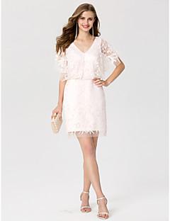 billiga Cocktailklänningar-Åtsmitande V-hals Kort / mini Spets Cocktailfest Klänning med Paljett av TS Couture®