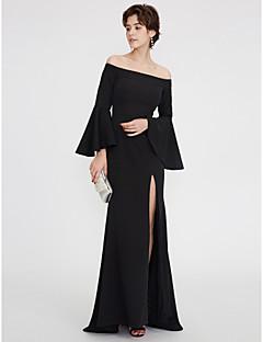 billiga Aftonklänningar-Åtsmitande Off shoulder Golvlång Taft Cocktailfest / Formell kväll Klänning med Plisserat av TS Couture®
