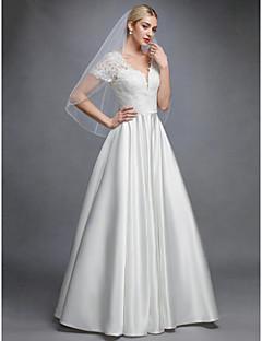 billiga Brudklänningar-Prinsessa V-hals Golvlång Spets / Satäng Bröllopsklänningar tillverkade med Applikationsbroderi av LAN TING BRIDE® / Vacker i svart