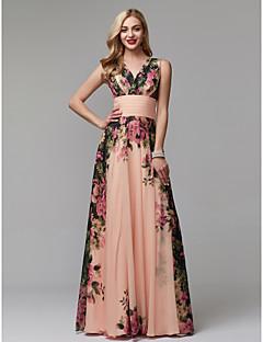Χαμηλού Κόστους Φορέματα Διακοπών-Γραμμή Α Λαιμόκοψη V Μακρύ Σιφόν Χοροεσπερίδα Φόρεμα με Σχέδιο / Στάμπα / Πιασίματα με TS Couture®