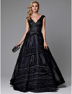 billiga Aftonklänningar-A-linje V-hals Svepsläp Spets / Tyll Formell kväll Klänning med Bård / Spetsinlägg av TS Couture®