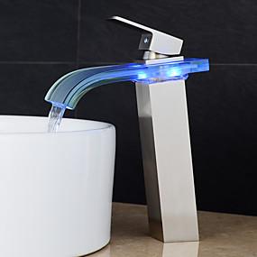 billige LED Series-Baderom Sink Tappekran - Foss Nikkel Børstet Centersat Enkelt Håndtak Et HullBath Taps / Messing