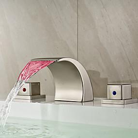billige LED Series-Baderom Sink Tappekran - Foss / LED Nikkel Børstet Udspredt To Håndtak tre hullBath Taps / Messing