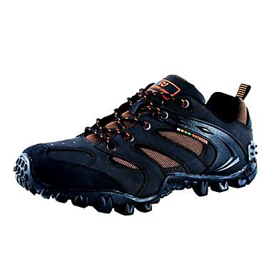 caminhada dos homens e andar calçado sapatos de pesca