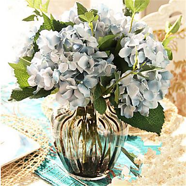 πέντε μπλε hygrangeas τεχνητά άνθη με γκρι βάζο