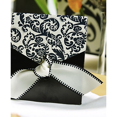 Pyramid Card Paper Silk Favor Holder With Ribbons Favor Boxes-12