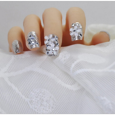 24 Stück fertiger ein Stück ruhig eleganten Blüten hellen Silber-Flash-Braut ein fertiges Produkt falsche Nägel Patch